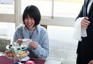 【体験】アフタヌーンティーに憧れて、会社でセレブなお茶会を開いてみた