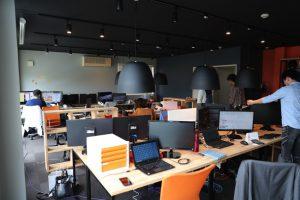 エフの執務室がさらにオシャレに生まれ変わりました!