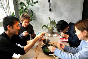 【蟹鍋】それは一刻を争う戦場である。雑炊で平和的解決へ。