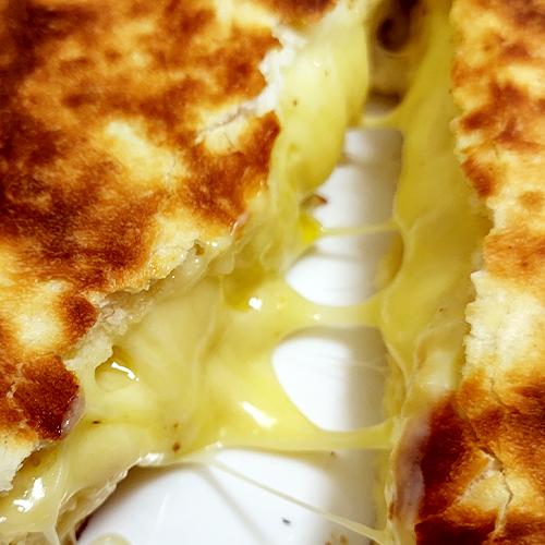 【オーブンが無し】30分でできるチーズナンのレシピが最高だったお話し。