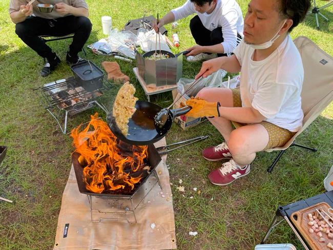 キャンプ行きたいのに雨ばっか。。。ついに見つけた究極のキャンプ飯「ベリーグッ丼」